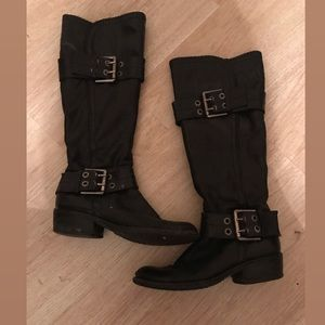 SHY boots size 7